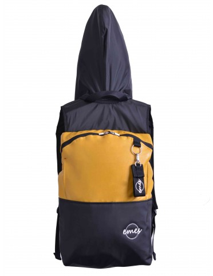 Velký batoh s odepínací kapucí